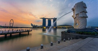 640px-rear_view_of_the_merlion_statue_at_merlion_park_singapore_with_marina_bay_sands_in_the_distance_-_20140307